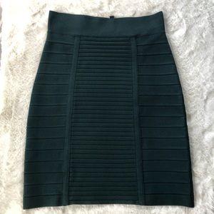 BCBG MAXAZRIA Size Medium Green Bandage Skirt.